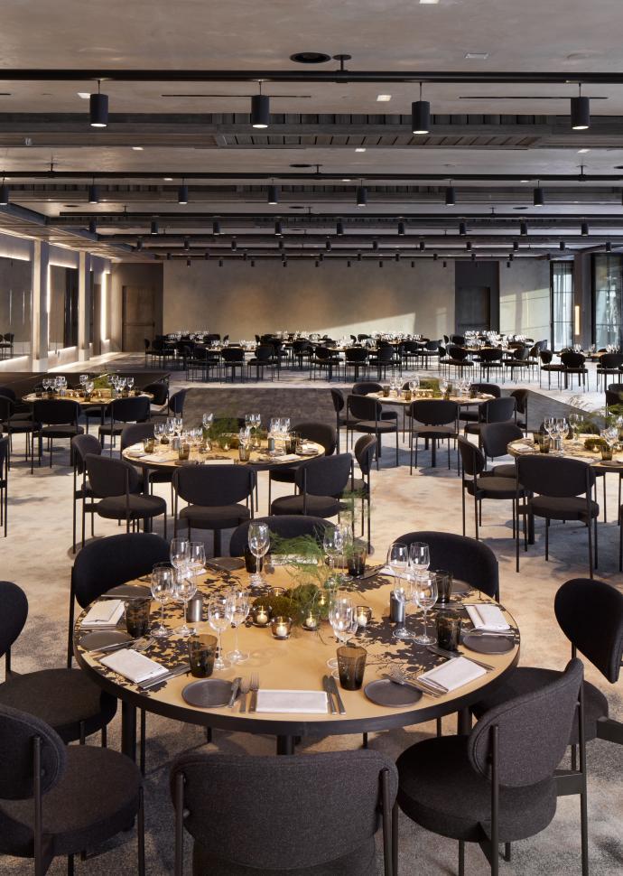 A classy wedding and event venue at 1Hotel Brooklyn Bridge