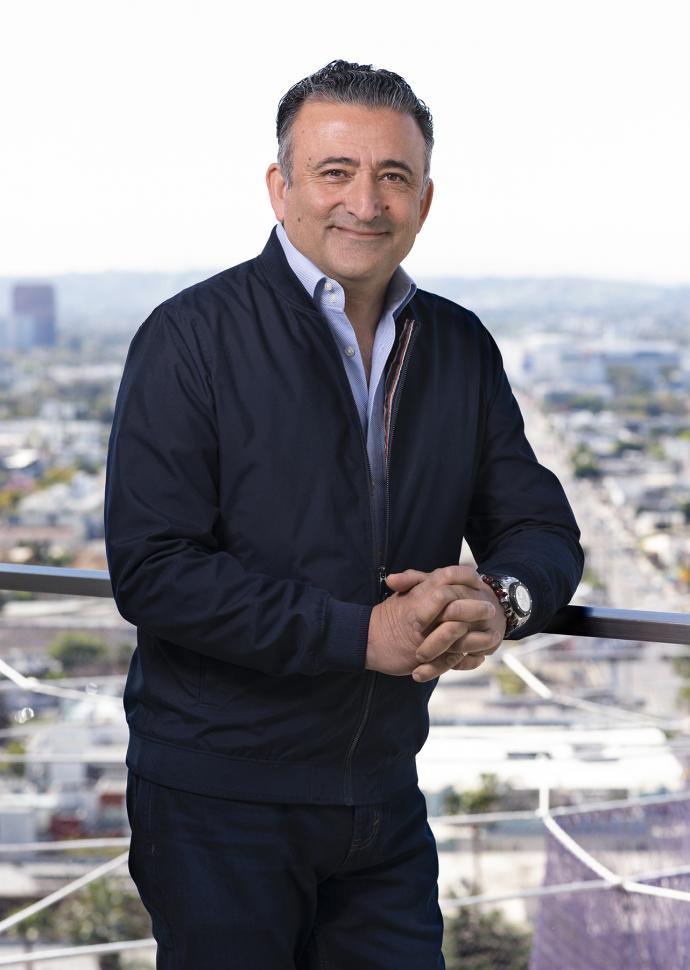 Arash Azarbarzin