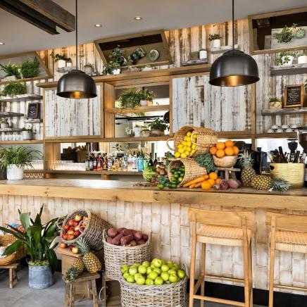 1 Kitchen Toronto Bar
